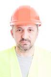 Zakończenie portret fachowy przystojny konstruktor z sterem Zdjęcia Stock