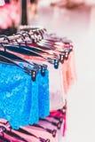 Zakończenie seksowni kobieta majtasy w moda sklepie Seksowni majtasy w zakupy centrum handlowym Obraz Stock