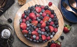 Zakończenie up jagody na owoc torcie Fotografia Royalty Free