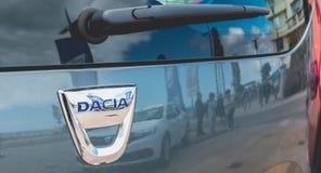 Zakończenie up na samochodach na Dacia wycieczce turysycznej 2017 Obraz Stock