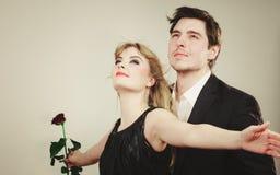 Zakochana para w tytanicznym gescie Zdjęcia Stock