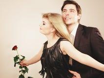 Zakochana para w tytanicznym gescie Zdjęcie Royalty Free