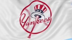 Zakończenie falowanie flaga z new york yankees MLB drużyny basebolowa logem, bezszwowa pętla, błękitny tło editorial zbiory wideo