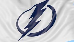Zakończenie falowanie flaga z tampa bay lightning NHL drużyny hokejowej logem, bezszwowa pętla, błękitny tło editorial zdjęcie wideo