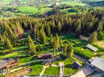 Zakopane Polen, Gubalowka, Luchtpanoramafotografie De bergen Tatry van Polen stock afbeeldingen