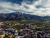 Zakopane Polen, Luchtpanoramafotografie De bergen Tatry van Polen stock afbeelding