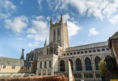 Zakopującego St Edmunds katedra w słonecznym dniu w jesieni Zdjęcia Stock