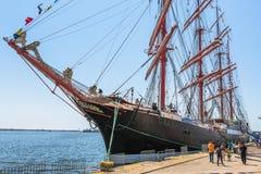 Zakotwiczający wysoki statek Obraz Royalty Free