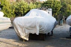 Zakrywająca łódź w stoczni Obraz Stock