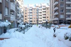 zakrywająca śnieżna ulica Zdjęcia Royalty Free