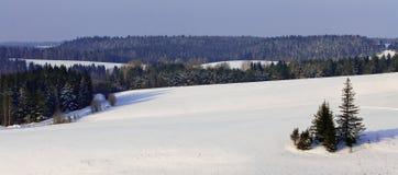 zakrywający wzgórzy krajobrazu śnieg Zdjęcie Royalty Free