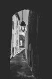 Zakrywający ulicy, drzwi, bramy i latarnie uliczne w europejczyku, Fotografia Stock