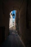 Zakrywający ulicy, drzwi, bramy i latarnie uliczne w europejczyku, Obraz Stock
