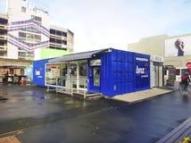 ZAKUPY centrum handlowe robić od kontenerów w środkowym Christchurch Nowa Zelandia CHRISTCHURCH NOWA ZELANDIA, Maj - 2014 - Zdjęcie Stock