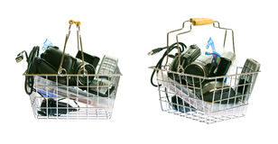 Zakupy kosz Z elektronika obraz royalty free