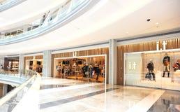 Zakupy nowożytny centrum handlowe Zdjęcia Stock