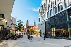 Zakupy ulica w Stuttgart, Niemcy fotografia royalty free
