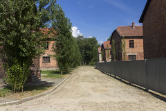 Zakwaterowanie terenu Auschwitz anihilacyjnego auswitch koszary birkenau brezinka barbed budynki obozują koncentracyjny budowy dea Fotografia Royalty Free