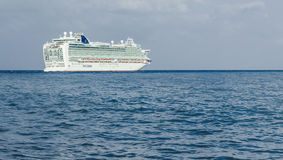Zakynthos, Grèce - septembre 2016 : Revêtement d'Azura Cruise de Hamilton image libre de droits