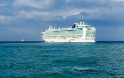Zakynthos, Grèce - septembre 2016 : Revêtement d'Azura Cruise de Hamilton photos libres de droits