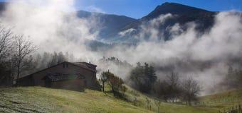 Zaldibia-Nebel in der Sierra de Aralar Lizenzfreie Stockfotos