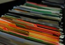 Zaległości kartoteki falcówek papierkowej roboty Ruchliwie zadania Fotografia Stock