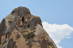 Zalen in Rotsen worden gesneden - Rode Rose Valley, Goreme, Cappadocia, Turkije dat Royalty-vrije Stock Fotografie