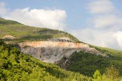 Zalesiona góra Zdjęcie Royalty Free