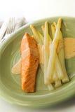 Zalm en witte asperge Stock Foto