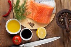Zalm, kruiden en specerijen Stock Fotografie