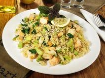 Zalm met Quinoa en Omega3-Zaden royalty-vrije stock foto