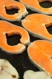 Zalmvlees op verkoop Stock Foto's