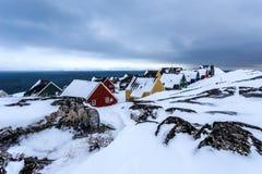 Zamarznięci Inuit domy zakrywający w śniegu Nuuk, Greenland Zdjęcia Stock