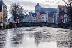 Zamarznięci kanały w Bruges, Belgia Obrazy Stock