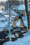 Zamarznięta wodna elektrownia Keila-Joa, Estonia przy zimną zimą Zdjęcia Stock