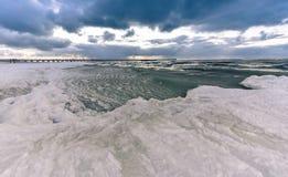 Zamarznięty Bałtycki seacoast Zdjęcia Royalty Free