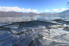 zamarznięty jezioro zdjęcia royalty free