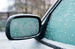 Zamarznięty samochodowy lustro Fotografia Stock