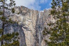 Zamarznięta siklawa w Yosemite Ja Zdjęcie Stock