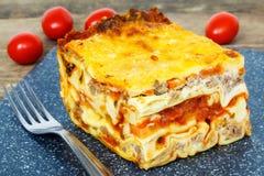 Zamarznięty lasagna na stole Zdjęcie Stock