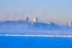 Zamarznięty rzeczny Neva. -25 stopnie Celsius Fotografia Stock