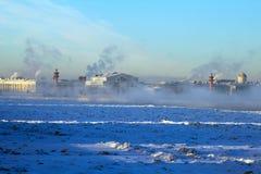 Zamarznięty rzeczny Neva. -25 stopnie Celsius Obrazy Royalty Free