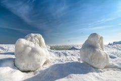 Zamarznięty lodowy oceanu wybrzeże - biegunowa zima Zdjęcie Stock