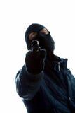 Zamaskowany mężczyzna z pistoletem zdjęcia stock
