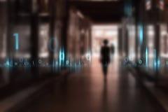 Zamazana kobieta chodzi przez miasta z cyberprzestrzeni tłem Zdjęcie Royalty Free
