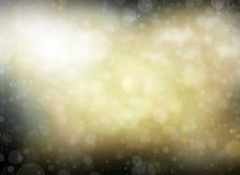 Zamazany biały bokeh bożonarodzeniowe światła tło z z ostrości plamą dostrzega jaśnienie z round okregów kształtami w czarnym nig Obraz Royalty Free