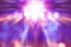 Zamazany theatre przedstawienie z purpurami zaświeca na scenie obrazy royalty free