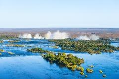 Zambezi River och Victoria Falls, sikt från helikoptern royaltyfri bild