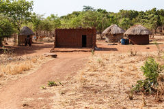 ZAMBIOWIE - PAŹDZIERNIK 14 2013: Lokalni ludzie iść wokoło z dnia na dzień życie Zdjęcia Royalty Free