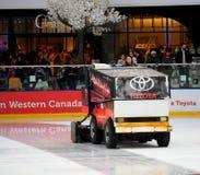 Zamboni-Betreiber an West-Edmonton-Mall lizenzfreies stockfoto